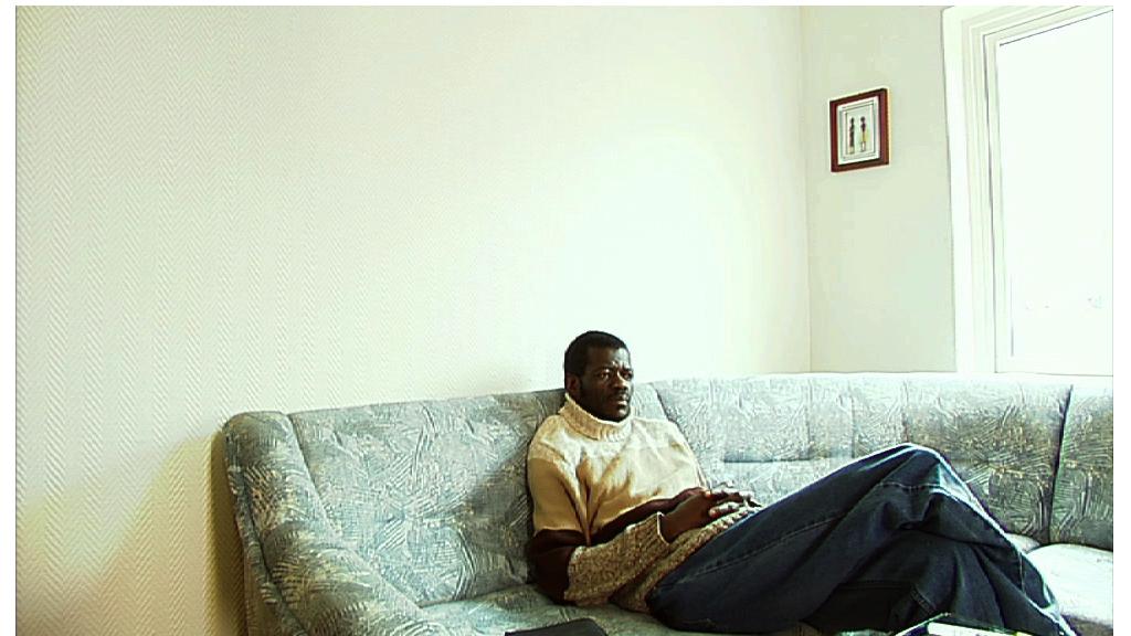 Anthony i sofa.png
